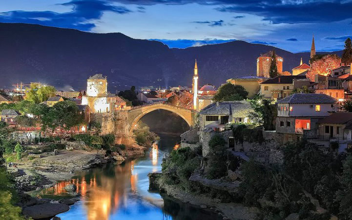 mostar-by-night