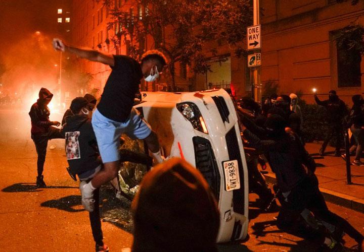 Amerika u plamenu rasnih nereda (FOTO/VIDEO)